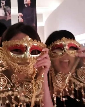 Masquerade goals with @candybtob 🎭😘 #clozette #ThePhantomAwaits