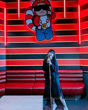 Keep calm and sing K at RedTail Karaoke! Can't believe we sang K all the way till closing time at 3am+ on the last night of our media trip - swipe RIGHT for more photos! Luckily, it wasn't an early morning the next day 😂😂🎤🎶🎙️ #redtailkaraoke #clozette #keepcalmandsingon