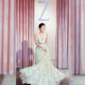 I've been married for almost 4 years but I still can't get over how gorgeous @zwedding's gowns are! Do drop by Z Wedding Open House from 12-8pm this weekend and be wowed by their latest gown collection 🌸 x . #clozette #alenebootd #zweddingbrides #ootd #sgig #zwedding