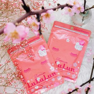I know that Spring is here when sakura-themed products are out to entice me! Despite having to miss them cherry blossoms once again, I'm super stoked to have laid hands on this limited edition @Lululun_sg Sakura Daily Mask (35 sheets at $29.90) 🌸🌸 Available at major Watsons stores, Don Don Donki, Welcia-BHG and Tokyu Hands, get them while stocks lasts! x . #clozette #lululunsg #lululun #jbeauty #maskaholic #sgbeauty #igbeauty #sgig #bbloggers #sakura2019