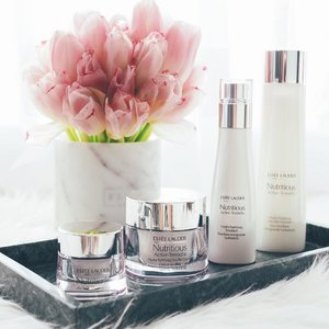 It's been awhile since I've tried out @esteelauder's skincare, so lets talk about the latest Nutritious Active-Tremella Hydra Fortifying range! Created for Asian women and infused with Snow Mushroom Ferment, it's all about giving your skin the ultimate hydration (up to 72 hours) while creating a virtual barrier to build up resistance against skin irritation. Other than acne care, I'm all about keeping my skin plump and glowy.. so I'll be testing it out before reviewing it on IG stories once breakout season is over. Do look out for it! x . #clozette #elcbeautyinsider #esteelauder #sgig #esteelaudersg #sephorasg #sephora #sgbeauty