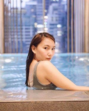 Tara, swimming?🏊🏻♀️