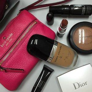 Makeup purse for on the go. #Clozette #clozettesnapit #beauty