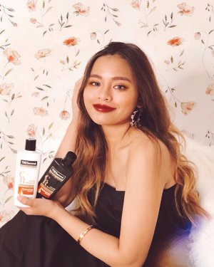 Hey girls who loves coloring their hair like me! 💁🏻‍♀️💕 Tresemme just launched its newest variant — the Color Radiance Pro-Color Series which gives 2x longer-lasting vibrant on your colored hair! Keep them beautiful and radiant. Get the new Tresemme, it's now available in @Puregold_ph stores nationwide! 💃🏻