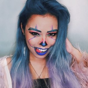 Did you even saw this #Halloween lewk I made 2 years ago? 💙🤡