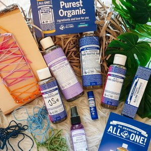America's top selling natural soap brand, Dr. Bronner's, is now available for purchase in Watsons!  They are really famous for their Pure-Castile Liquid Soaps (32oz at $34.90)!!! Made with organic oils (coconut, olive, jojoba), the soaps are so pure that they can be used for multi-purposes.  You can use them for your hands, face, body, hair and even for cleaning the house!  Other products include Bar Soaps ($8.9), Lip Balm($7.50),Toothpaste($12.90) and Hand Sanitizer($7.90) that are also organic.  @drbronner @watsonssg #drbronnerssg #drbronners #watsonssg #insidercommunications #sgig #sgblogger #clozette #skincare #sgbeautyblogger #sg #flatlay