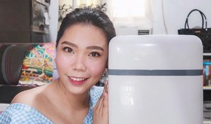HAVE YOU SEEN my Beauty Fridge Tour video? I got a 10L fridge from @lazadaph and I'm sooo happy that I chose this over the 4L! It can fit almost ALL of my skincare products!! ♥️ - WATCH IT thru the link in my bio! Drop some LOVE by leaving a comment or two as well 😊 By the way, this shall be the start of a series of skincare videos...Hope you'll SUBSCRIBE to my channel if you are also a skincare enthusiast like ME 😊 . . . #missgblogs #missgdiaries #beautyfridge #mybeautyfridge #clozette #beauty #skincareroutine #skincare #abcommunity #lazadaph #altheaangels #beautybloggers #skinpotionsgirlgang #bloggersph #beautybloggers #reftour #fridgegoals #yt #youtube #youtuber #pinayyoutuber