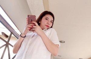 Oh hello double chin!😅 Laban na basta fresh, haha! Talaga ba? 😂♥️♥️ *Love yourself* . . . . #missgdiaries #missgblogs #clozette #bloggers #beauty #beautybloggers #bloggersph #abcommunity #skinpotionsgirlgang #altheakorea #makeup #skincare #loveyourself #igers #ig #avonbody