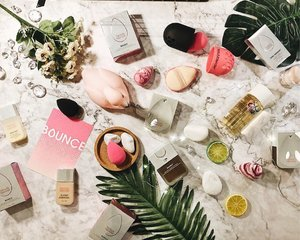 The new Beauty Blender Bounce Foundation looks pretty cool! A weightless, full-coverage foundation in 40 shades that easily blends for a flawless finish and a revolutionary bare-skin feel. . Super excited to try it out! . . .  #beautyproducts #instabeauty #flatlay #beautycare #beautyblogger #beautyproductmalaysia #clozette #beautyblendermalaysia