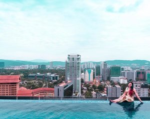 Been swarmed with work the entire week! Needed another staycation so bad! Weather is crazy hot too and a dip in the pool will be great! . . . #travelgram #igtravel #instatravel #instago #malaysiatravel #clozette