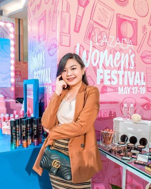 I had a really fun experience here at @lazadaph 's Women's Festival event! It's the last day of the event at Eastwood and sale at the app. But don't worry!! It's not yet late to shop! Go now to Lazada and get more discounts when you use the special link in my IG bio or just copy paste this link to your browser:  https://c.lazada.com.ph/t/c.0LBh?sub_aff_id=Hannah+Dacanay . . . #LazadaWomensFestival #NewYouInStyle #OwntheNewYou