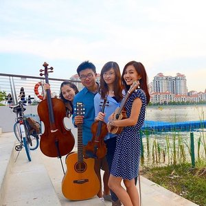 Come catch @manhanglam @pixelapartment , Xiang Hong and I at Pixel Apartment's debut album launch! This Sunday, 5.30pm (1st set) and 7pm (2nd set) at the Esplanade Concourse!  #potd #pixelapartment #music #albumlaunch #clozette