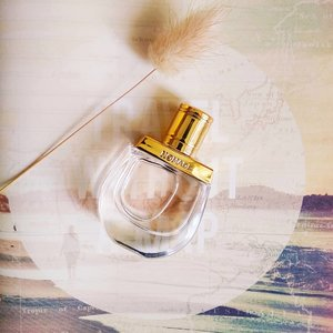 Just a wish and I will cover your shoulders | With veils of silk and gold | . . . Recently launched Floral #Chypre #EDP, #Nomade by #Chloe inspires exploration oneself through #travel. Sparks my #YOLO spirit! More in-depth thoughts on my post! Took a page off my #Typo travel book, can you tell?😋