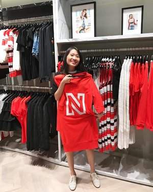 Having great fun at the store opening of @nikkie_official in Singapore last friday! Spotted this perfect sassy sweater dress from far and fall in love with it. The answer to our lazy-day dressing prayers. There are more edgy pieces suitable for our tropical climate at their flagship store at #sunteccity to choose from. Thank you @ellesingapore for the exclusive invite! #ootd #ootdsg #aboutalook #clozette #elleinsider #mendontgetit #ellesingapore #ellesg