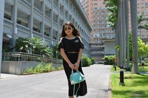 Black long dress with mint bag