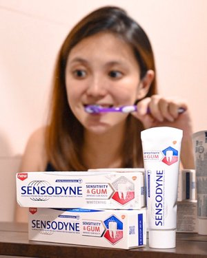 •𝓢𝓮𝓷𝓼𝓸𝓭𝔂𝓷𝓮• • Are you suffering from sensitive teeth and gum problems? I personally have gums that bleed easily and my molar sometimes hurt when I take icy food. ❄🍧🤯 @sensodynesg recently launched their New Sensitivity and Gum toothpaste with a dual action formula that is clinically proven to relieve tooth sensitive and improve gum health! I've been using it for awhile now and I find that my teeth feels less sensitive when eating my ice cream. Can't wait to see how it works for my gums and teeth in the long run! • Sensodyne Sensitivity & Gum is now available on Lazada! Get yours today! • #sensodynesg #toothsensitivity #gumproblem #sp #clozette