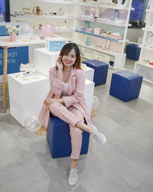 𝐇𝐚𝐩𝐩𝐲 𝟏𝟎𝟑𝐫𝐝 𝐛𝐢𝐫𝐭𝐡𝐝𝐚𝐲, 𝐊𝐞𝐝𝐬! — just wanna share you guys the #HappyBirthdayKeds SALE TREAT! Sale is until Aug. 4, and some items are 40-50% off. Nationwide in ALL Keds store and online at keds.com.ph 💙 @kedsph ***Since there are huge discounts, this is the best time to get Keds shoes at a discount against buying counterfeit Keds 🤗