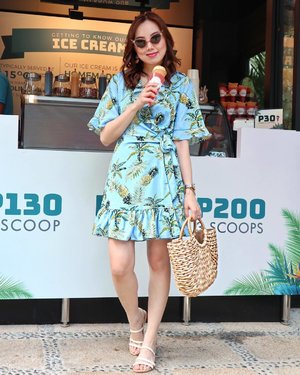 Hello Weekend! Now, who wants some Ice cream?🍦😎🍦 (dress, bag and sandals from @zalora)  #ZALORAStyleEdit #clozette shop this look here 👉🏻 www.clozette.co/stylespotlight #sheilovesootd