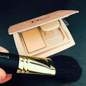 It captured my heart. #DiorCaptureTotale #sample #littleblackbeautybox #perfection #makeup #beauty #clozette