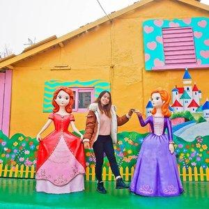 Visit Fairy Tale Village during my last day of Korea trip ❣ Feel like a princess that day 😂 . . #Incheon #Travel #Korea #TraveltoKorea #snowmansharing #SnowmantoKorea #Snowmantravel #clozette