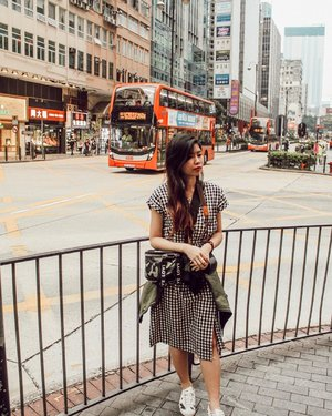 It was the streets of Hong Kong that left the deepest impression on me. . . . . . #crayyzeetravels #crayyzeeinhongkong #crayyzeetravelogue #traveling #travels #crayyzeeexplores #explorehongkong #explore #hongkong #streetsofhongkong #clozette #clozetteco #clozetter #starclozetter #instagood #art #artsy #artistic