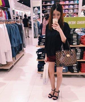 Snapchat @ melissalsl 🦄 #melissalsl #clozette #ootd #sg