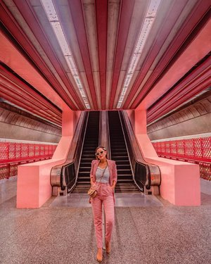 """Finally we managed to visit this #thinkpink train station during ehm """"peak hour"""" and we waited for ppl to clear on escalator and we only have 1-3 seconds to snap that perfect photo.. When an officer uncle approached us and told us not to take photo on MRT station, @blackivory said that i haven't got my turn to take photo there, then the officer said ok to take photo but just ONE snapshot, then @blackivory proceeded to take 100++ shots of me 😝  • • Always found that this train station is quirky and funky, it's bright and super pink in real life 💕 If you are K-Pop fans, this scene looks like BLACKPINK's train station in As If It's Your Last video..  This is arguably one of the prettiest Mass Rapid Transit (MRT) stations. If you have time to spare when you're on the East-West line, hop off at this stop and take snaps of this photogenic station. Chanelling your inner Barbie (or even Ken) here with these pretty bubblegum walls! 📍 Redhill MRT Station • • #exploreSingapore #VisitSingapore #Singapore #singaporeworld #singaporeinsiders"""