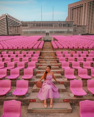 Roaming around empty stadium with my cute pink dress and super comfy nude shoes @spurshoes.sg  Came to stadium during sunset and it feels so peaceful, looking at city skyline with the sun setting as the background. Beautiful! • • There are so many DMs asking about photo editing.. guys, i prefer to work on desktop so i rarely use mobile app. I am using lightroom to adjust lighting and colour grading and photoshop to do masking on which colour i want to edit. I always working on raw files from camera because easier to do post-processing.  • • If you are wondering whether i changed the stadium chair, Yes! I edited the colour closely to my dress colour because i thought it's kinda cute to match 💕  Swipe for before photos if you are wondering what the original photo look like..  • • #spurstar #spurgirls #spursg #spurshoes #spurshoessg #VisitSingapore #exploreSingapore #discoverSingapore #Singapore #singaporeworld #singaporeinsiders