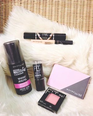 I had absolutely no intention of buying new make up but the @maybelline sale was just too good to pass up hahaha - whoopsie! 💸💸💸 I scored some pretty amazing deals: • Masterfix Setting Spray: Php359 (from 499) • Fit Me Stick Foundation: Php199 (from 399) • Fit Me Blush: Php239 (from 299) • All-in-One Compact: Php199 (from 259) • FitMe Concealer: Php199 (from 259) • V-Shaper Duo Stick: Php399 (from 499)  The sale is until December 31, 2018 so if you've been wanting or needing new make up bits, now is the time to stock up! These are also great stocking stuffers/Christmas gifts for the beauty lovers in your life - my recommendations are their Concealers (Fit Me and the Mineral ones are good), the FashionBrow 3d Nose and Brow Palette (my fave brow palette), the Clearsmooth All-in-One Face Powders and the FitMe Blushes 'cos the colors are pretty! Oh and I also like their mascaras. I also heard that their Superstay Ink Lipsticks are amazing too! Check 'em out the next time you see a Maybelline beauty counter. 😍 #maybellineph
