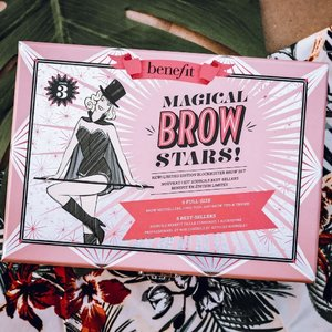 For all you #BeneBabes, what is your favorite @benefitph brow product? Looking throughthr Magical Brow Stars Kit and I can't decide which one to use first! 🤣 #benefitph #benebrows