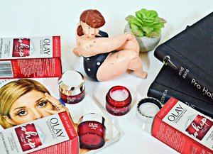 """We can now #GlowUpFearlessly with this breakthrough facial moisturizer """"The Olay Regenerist Whip"""" ⠀⠀⠀⠀⠀⠀⠀⠀⠀⠀⠀⠀⠀⠀⠀⠀⠀⠀⠀⠀⠀⠀⠀⠀⠀⠀⠀⠀⠀⠀⠀⠀⠀⠀⠀⠀ A powerful wrinkle solution equipped with Amino Peptide Complex that actively hydrates to improve skin elasticity and firmness while diminishing the look of fine lines and wrinkles. Transforms from cream to liquid on skin to deliver potent ingredients in an ultra-lightweight form! Plus, It now comes in a travel-sized version do we can #FeelTheWhip anytime, anywhere!☺️ Thank you, @sampleroomph and @olayphilippines 💕 #OlayPh #SampleRoomPh #SponsoredPost #AD #Clozette"""
