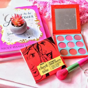 I'm blushing over this strikingly beautiful Cheek-A-Time Ultimate Cheek Palette from @snoebeautyinc made available in 9 gorgeous shades that can be mix and match to bring gorgeous definition to your cheeks. This blush palette is amazingly pigmented and last all day long. Get this now for only P1,299 save 50% Off. Available on Lazada and Shopee!☺️ #CheekATime #MakeupFlatlay  #SnoeFabmates #HouseOfSnoe #Clozette