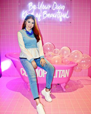 I had so much fun at the #CosmoBeautyCon with #SnoeBeauty fam!💕 Swipe to see my #copycam thanks much!😙 @360selfieph @snoebeautyinc and @cosmopolitan_philippines  #StylebyMgrazielle #clozette . 📸: @hazelstylewitch