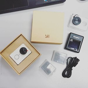 Received my Xiao Yi, ordered through @lazada_my ! Will use it for my Vlog!  Please support my YouTube channel by subscribing www.youtube.com/c/joannewee  J🌹 Thank you so much 😘  #xiaomiyi #joanneweejourney #joannewee #influencer #gadgets #blogger #youtuber #lifestyleblogger #clozette #bloggerbabes #likeforlike #like4like #followforfollow #follow4follow