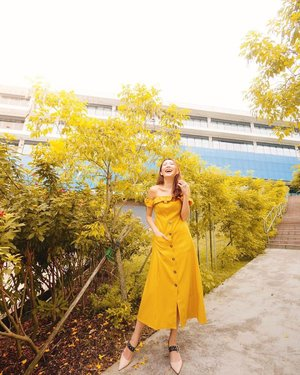 Still learning to be a better person each day. I LOVE YELLOW DRESSES, wearing @6styleco ☀️✨ #clozette