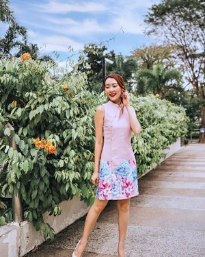 CNY day 1️⃣ outfit, wearing @diamondmojitto.✨.Floral prints ✅CNY vibes ✅Bright color ✅Not revealing ✅.Sure pass with flying colors of approval right? Haha 💯✨ #clozette