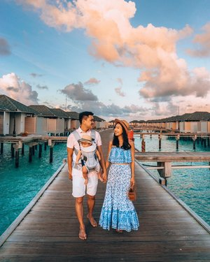 Hello from Maldives! Our second time back here in Maldives, except this time, there is three of us. Feeling so grateful that having Lucas haven't stop us from going places. Truly, these are the moments I live for 💕 ••••• 👗: @shopgeegeebae