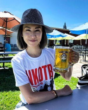 [WEEKENDS] Cheers to the weekends! No, I did not finish that mug of beer. But it was nice to have some beer at 36C (96F) kind of weather.  Are u a beer or more of a wine drinker? . . . #cheers #salute #weekends #travelblogger #divainmetravel #divagoestocalifornia #californiadreaming #nkotbmixtapetour #jackrussellbrewery #weekendvibes #california #travelphotography #clozette #applehill #ootd #weekendootd