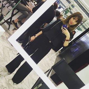 At Nars KLCC yesterday. Safest bet - All black 😉💋 @liketoknow.it www.liketk.it/1XwAj #liketkit #fall #workwear #makeup #motd #ootd #outfit #fashion #fashionblogger #beautyblogger #allblack #monochrome #black #blackbeauty #clozette #nars #narsissist #narsmy