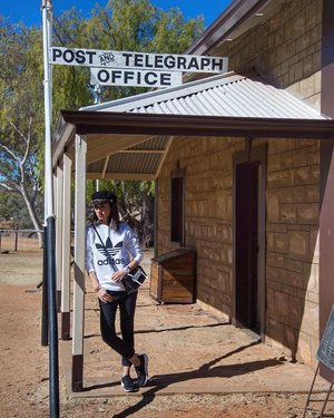Day 3 #flyjulychallenge - FASHION....Visited Alice Springs first Telegraph Station established in 1871. #Sweaterweather but it ain't summer for sure.#OOTD..#adidassweater #sr1 #sergiorossi #fashionblogger #divainmefashion #divagoestoaustralia #alicesprings #historicmuseum #malaysianblogger #alicespringstelegraphstation #outfittoday #casualoutfit #clozette