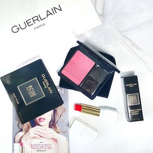K I S S  K I S S // Guerlain's latest Rose range includes these gorgeous blushes and tinted lip balms. Bearing 6 matchy-matchy shades and names, you can pair them up accordingly or be a rebel and mix things up! I personally love both of them and have been wearing them daily. 😁 Before/ after watches on the lips (even an updated lip swatch after 2 hours!) and more pictures up on the blog! #clozette
