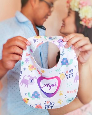 "We are having a Baby Boy!!! Glory to God. If you wanna see more photos from our gender reveal it's still live on my blogsite (link is in bio). By the way, i got this cute personalized bib is from @bibs_manila i was very excited when I received it I said to myself ""ito na talaga, it's for real we are going to have a baby boy and we will call him 𝓐𝓺𝓾𝓲 short for Joaquin Miguel the name that we have prayed for almost 8 months because we've waited for God's anointing.  Going back to the bib the fabric is very soft, front is made with 100% soft organic cotton while the back is polyester fleece for absorbency very suitable for baby's sensitive skin. Momsh visit their account they have a lot of nice prints to choose for your baby boy or baby girl. (On my next blog post entitled ""My 2nd Baby Haul"" I'll share with you the other designs and style of bib that I've got from them). ♥️🤗 #clozette #happymom #genderreveal #personalizedbib #pregnant #momph #bloggermom #styleblogger #beautyblogger #pregnancyphotoshoot #pregnantbelly #Itsaboy #AquiHero"