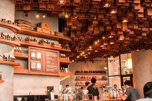 Coffee O'clock ☕️ . . . #CHItographs #clozette