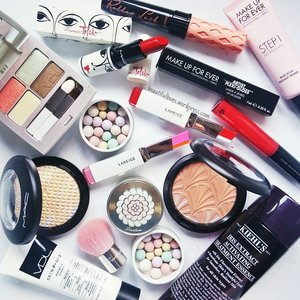Had my energy depleted from laughing too much at Russell Peters' show last night, so today's IG inspiration is... The first 10 things lying atop my makeup stash 😂 #vdl #vdlsg #vdlcandyyou #mac #maccosmetics #maccosmeticssg #makeupforever #makeupforeversg #macxtoledo #benefitsg #kiehls #kiehlssg #Makeup #skincare #맥 #키엘 #겔란 #guerlain #guerlainsg #meteorites #mascara #lipstick #eyeshadow #clozette #philiptreacy