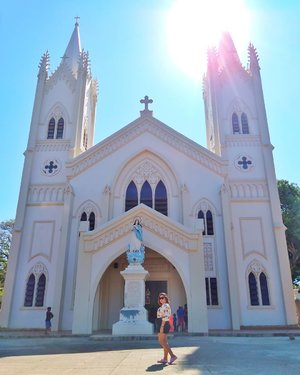 This historical church in Puerto Princesa is where the first mass was held in the year 1872 and the Spanish expedition proclaimed Immaculate Conception as the patroness of Puerto Princesa. . . . #qingTravels #clozette #grammerph #lostinph #travellingpinoy #femaletraveller #musttravelph #travelphilippines #pilipinasdestination #adventurephilippines #ig_philippines #discoverphilippines #chooseph #experiencethephilippines #femaletravellerph #the_ph #ilovephilippines #discovermnl #pinasmuna #seepilipinas #pinaswonders #itsphilippines #wanderph #palawanbible #palawanderer #palawanphilippines