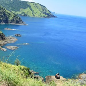 𝙏𝙧𝙖𝙫𝙚𝙡 𝙪𝙣𝙩𝙞𝙡 𝙮𝙤𝙪𝙧 𝙝𝙚𝙖𝙧𝙩 𝙞𝙨 𝙛𝙪𝙡𝙡, 𝙪𝙣𝙩𝙞𝙡 𝙮𝙤𝙪 𝙛𝙧𝙚𝙚𝙙 𝙮𝙤𝙪𝙧 𝙨𝙩𝙧𝙚𝙨𝙨 𝙖𝙬𝙖𝙮, 𝙪𝙣𝙩𝙞𝙡 𝙮𝙤𝙪 𝙛𝙚𝙚𝙙 𝙮𝙤𝙪𝙧 𝙚𝙮𝙚𝙨 𝙖𝙣𝙙 𝙢𝙞𝙣𝙙 𝙖𝙣𝙙 𝙢𝙤𝙨𝙩 𝙤𝙛 𝙖𝙡𝙡 𝙪𝙣𝙩𝙞𝙡 𝙮𝙤𝙪 𝙛𝙤𝙪𝙣𝙙 𝙮𝙤𝙪𝙧𝙨𝙚𝙡𝙛. 𝙃𝙖𝙥𝙥𝙮 𝙬𝙚𝙚𝙠𝙚𝙣𝙙! 💛 ⠀ #qingTravels #clozette #femaletravellerph #pampangabloggers #lostinph #travellingpinoy #femaletraveller #musttravelph #travelphilippines #pilipinasdestination #adventurephilippines #discoverphilippines #chooseph #experiencethephilippines #solofemaletravellerph #the_ph #ilovephilippines #pinasmuna #seepilipinas #pinaswonders #itsphilippines #wanderph #dingalanaurora #aurora #woogooph