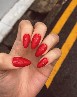 Drip drop, red rad, matte mix. #nailfie #clozette