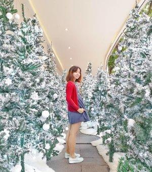 For a moment I thought I was in snowy wonderland.  Smile, breathe and seek magic. . . . . . . #visitsingapore #exploresingapore #orchardroadxmas #clozette