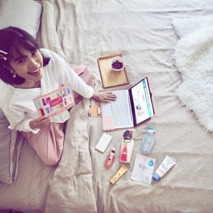 When the sun is blazing mad outside ☀️ = hanging at home + online shopping 😜 Watashi+ houses Shiseido's highly raved drugstore beauty brands - @anessasg , @senkasg @tsubaki_sg @macheriesg and @zacosmeticssg  Available on @lazada_sg , @watsonssg  and just launched on @shopee_sg ❤️ From now until 25th of May - 🎁 Shop these Japanese beauty products at up to 50% OFF! 🛍️ Shop and win a Dyson Airwrap™ Styler and $300 shopping vouchers! #WatashiPlusSg