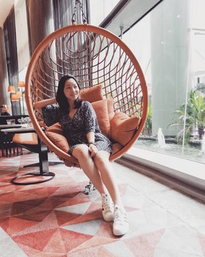 The world is a playground 🤩 Swing out & your dreams are within reach!  Throwback to this Insta-worthy spot at @sofitelkualalumpurdamansara  #rollwithcarol #clozette #quotes #quotesofinstagram #quotetoliveby #throwback #livethefrenchway #sofitelkualalumpurdamansara